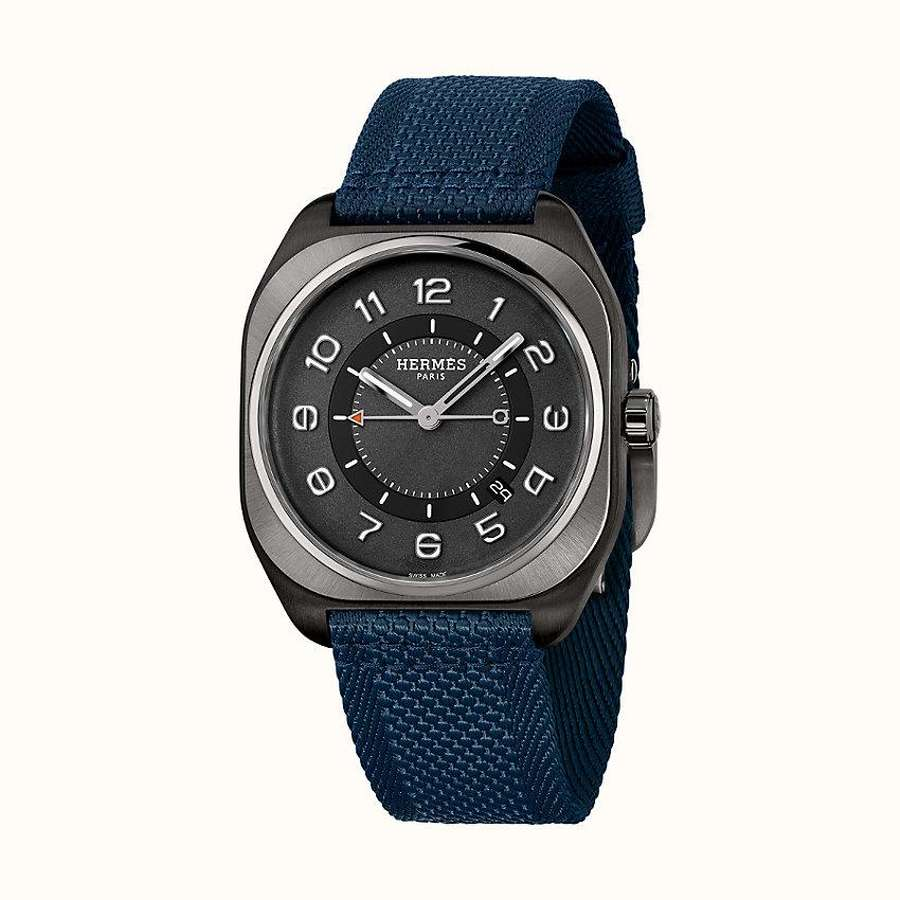 View: front, Hermes H08 watch, 39 x 39mm
