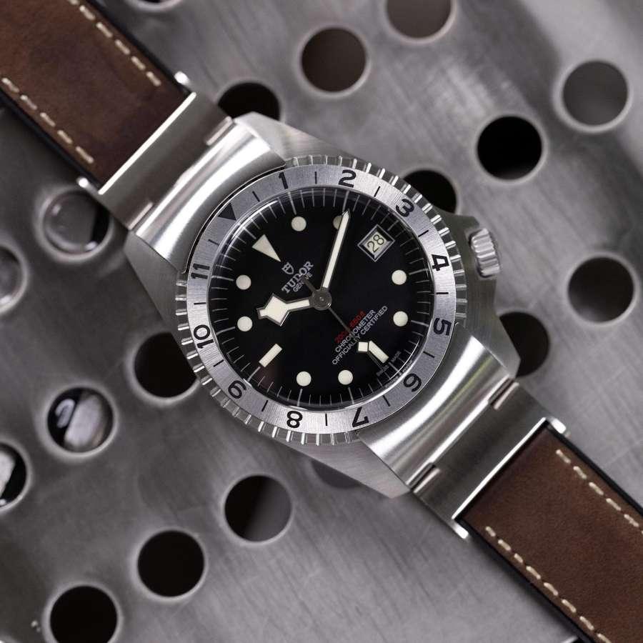 TUDOR BLACK BAY P01 BROWN LEATHER STRAP - M70150-0001