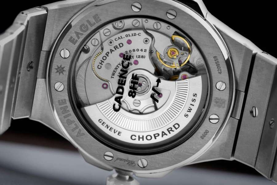 The watch is powered by the COSC-certified Chopard Calibre 01.12-C high frequency movement and has a 60-hour power reserve. (© Revolution)